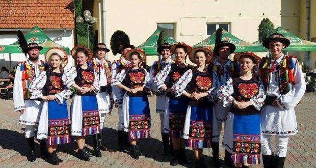 Ansamblul Astra din Săcele a adunat premii la concursul Vatra Satului