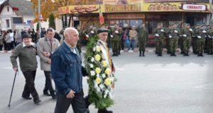 Veteranii și văduvele de veterani de război primesc lemn de foc gratuit la Săcele