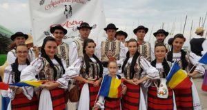 """Săcele reprezentat la """"Moonlight în Rimini"""" (Italia), un eveniment folcloric internațional"""