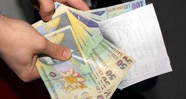 Pensionarii îşi primesc banii mai devreme