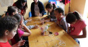 Atelier de meşteşugărit pentru copii organizat de HMIK