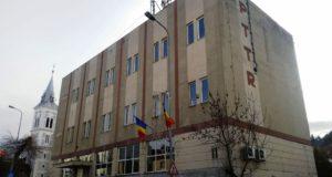 Primăria Săcele vrea să cumpere clădirea vechii poşte din Cernatu, aflată în proprietatea Telekom