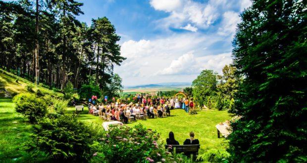 Decizie BOR. Fără filmări ale nunţilor şi botezurilor în biserici. Dar și o veste bună în articol