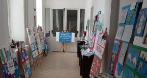 """Expoziția județeană """"Tradiții de iarnă în spațiul european"""" poate fi vizitată la Săcele"""