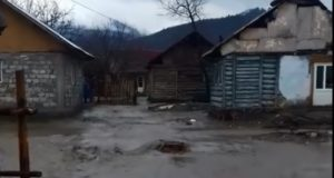 Inundație în Gârcini! Apa a inundat zilele trecute peste 20 de gospodării din zonă